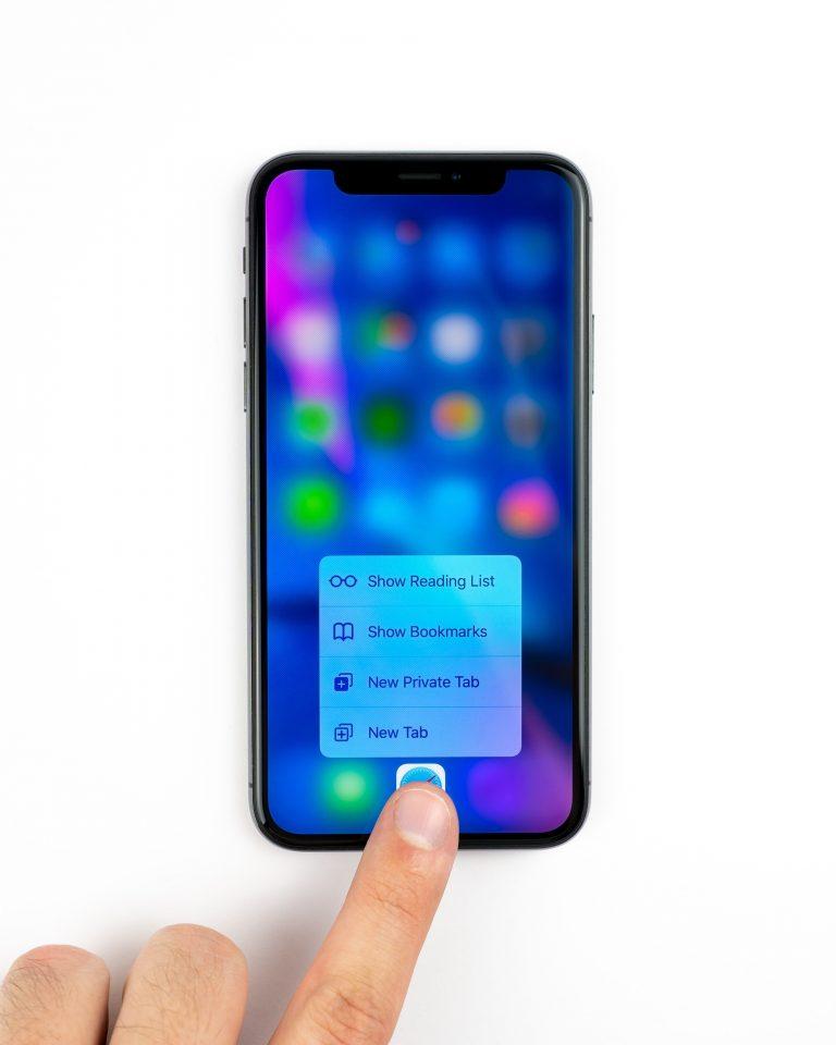 iphone hand opening safari